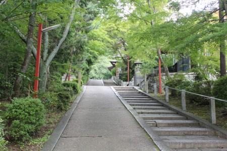 粟田神社参道
